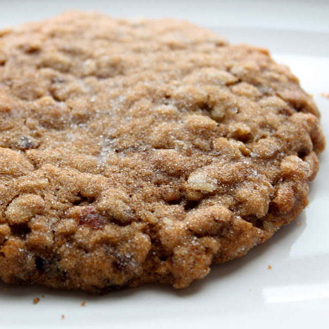 New York Oatmeal Chocolate Chip Cookie